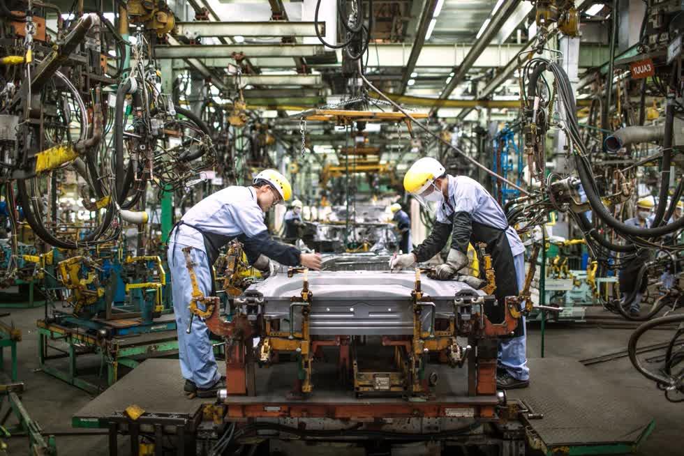 Bên trong nhà máy Toyota Vĩnh Phúc.