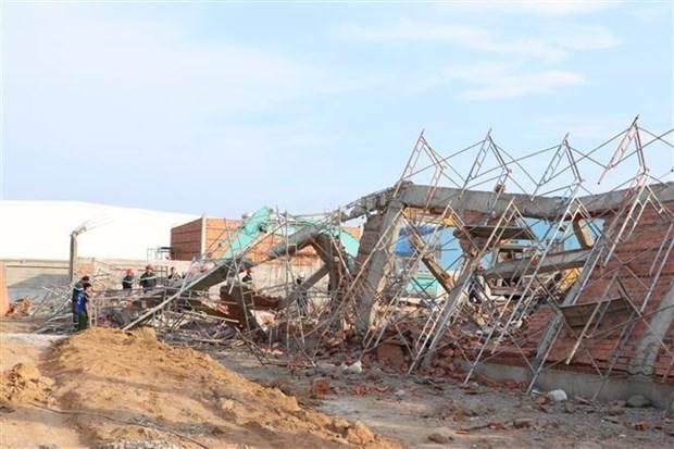 Hiện trường vụ sập tường tại Đồng Nai.