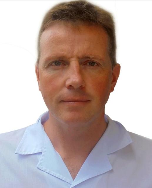 Giáo sư Guy Thwaites,là giám đốc của đơn vị nghiên cứu lâm sàng của Đại học Oxford tại Việt Nam.