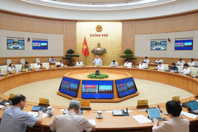 Cuộc họp Thường trực Chính phủ về công tác phòng, chống dịch COVID-19 vào sáng nay (9/6).