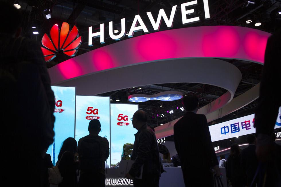 Ông Trump đã chấm dứt tham vọng dẫn đầu thị trường smartphone của Huawei như thế nào?