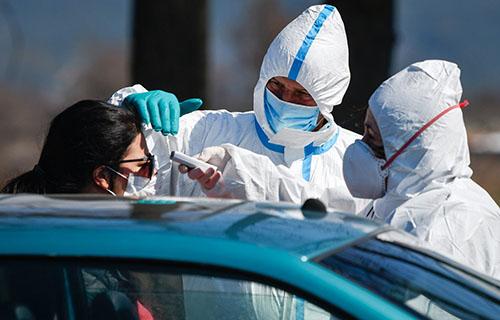COVID-19 chiều 25/6: Việt Nam không có ca nhiễm mới, Mỹ gần 2,5 triệu ca nhiễm