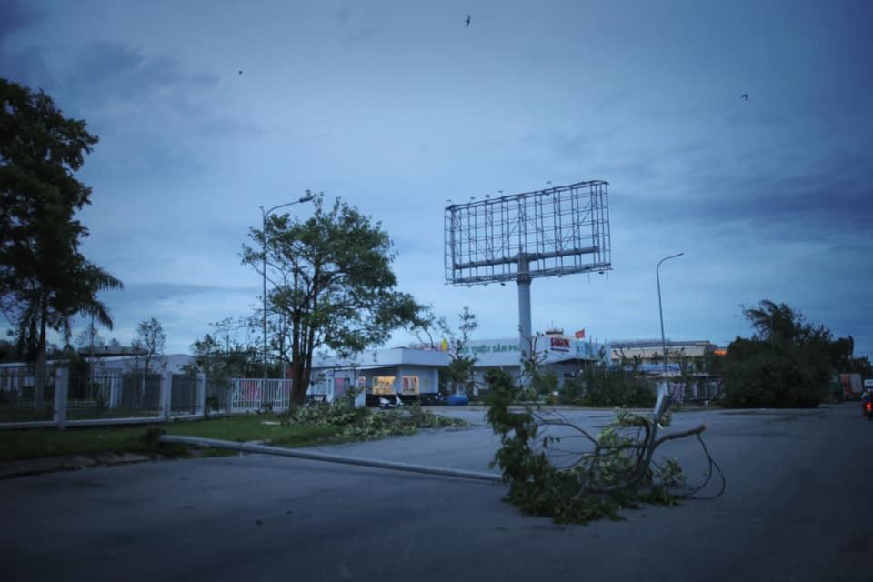Đêm nay gió vẫn thổi, Quảng Ngãi vẫn trăm mối ngổn ngang. Ảnh: Nguyễn Nguyên