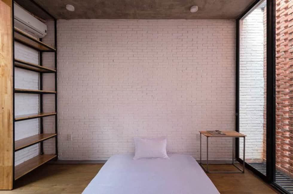 Diện tích ngôi nhà nhỏ nên tất cả đều được thiết kế đơn giản gọn nhẹ.