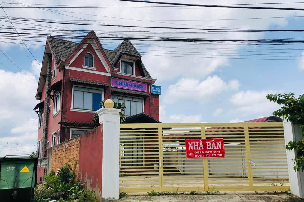 Địa chỉ là trụ sở Công ty Thuận Việt đang được rao bán, không có hoạt động kinh doanh.