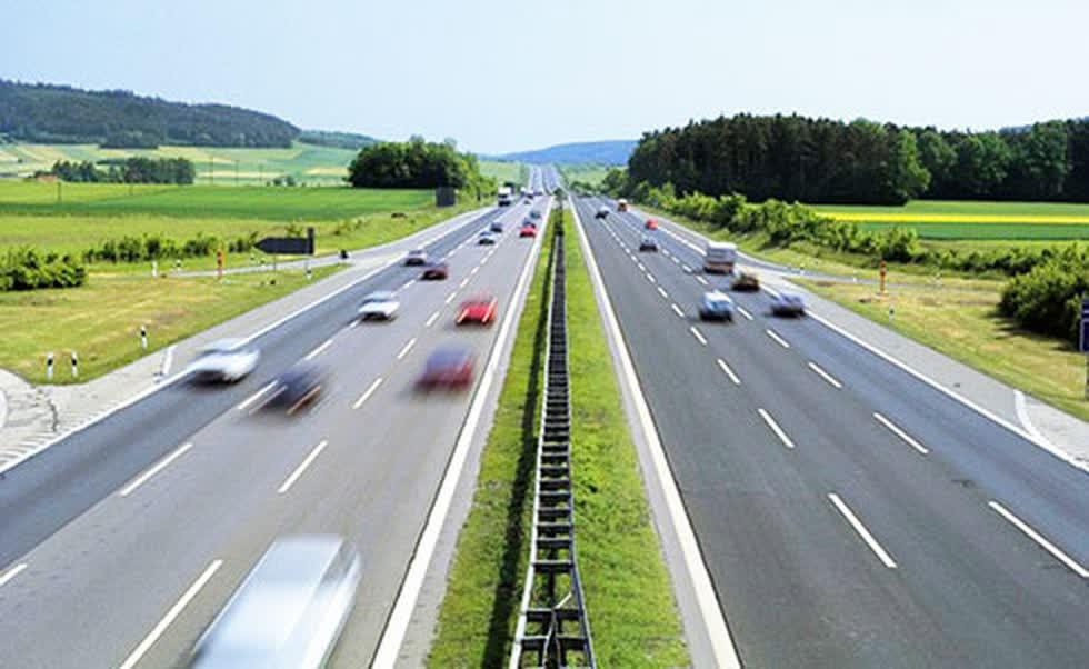 4 dự án thành phần có nhà đầu tư nộp hồ sơ dự thầu, gồm các đoạn Quốc lộ 45 - Nghi Sơn, Diễn Châu - Bãi Vọt, Nha Trang - Cam Lâm và Cam Lâm - Vĩnh Hảo. Ảnh minh hoạ.