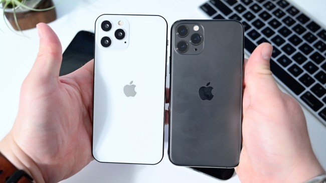 iPhone 12 Pro (Max) đặt cạnh iPhone 11 Pro (phải)