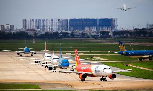 Do ảnh hưởng của bão số 7, các hàng hàng không điều chỉnh kế hoạch khai thác. Ảnh minh họa