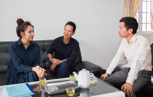 Vợ chồng Lý Hải - Minh Hà đang gấp rút chuẩn bị kế hoạch cứu trợ.