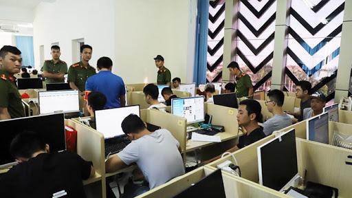 Nhóm người Trung Quốc tụ tập đánh bạc tại dự ánOur City Hải Phòng hồi tháng 7/2019.