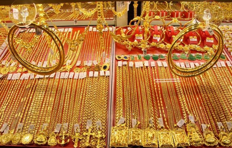 Giá vàng trang sức, vàng nhẫn đang ở mức rất thấp so với vàng miếng. Ảnh: Zing