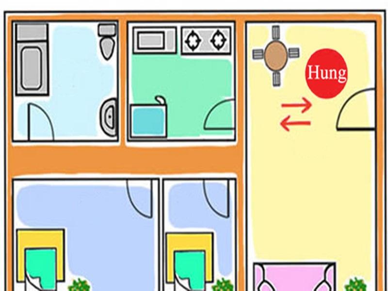 """Khi không thể di chuyển được bếp, nên xem xét sử dụng đảo bếp, quầy bar, lam chắn... để tránh vị trí """"lộ táo""""."""