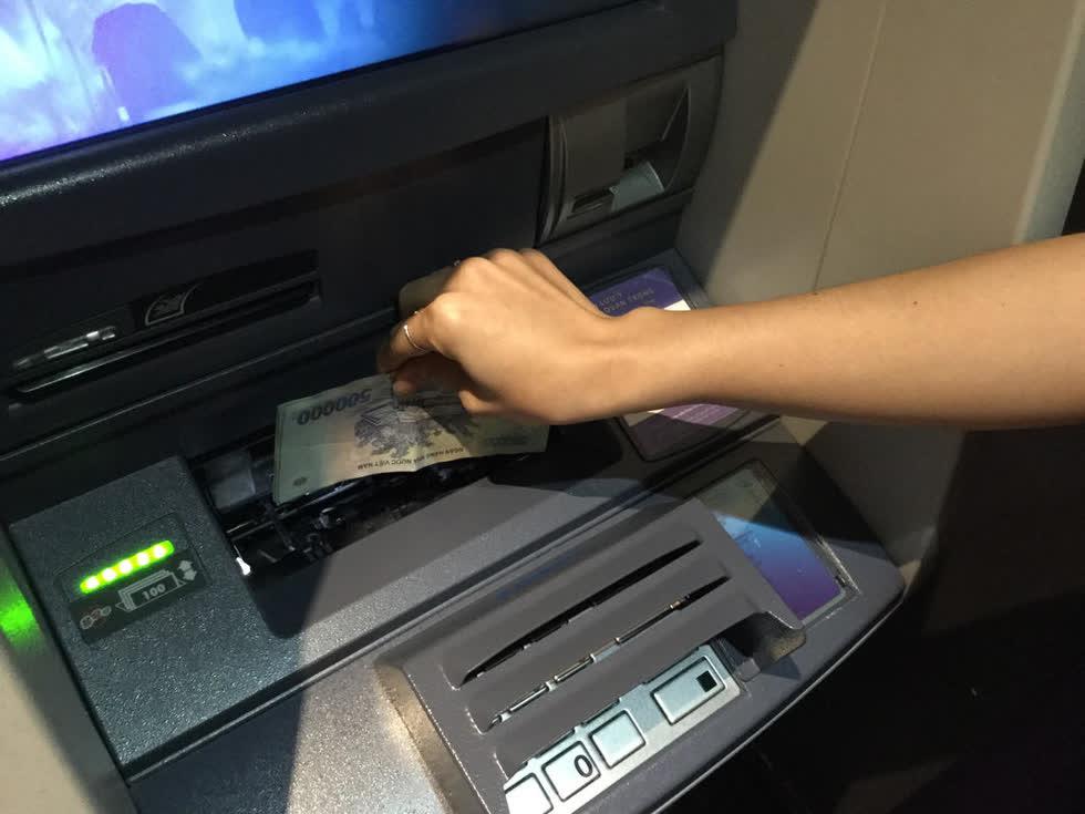 Khi hợp tác với VPBank, Timo có sẵn gần 200 máy CDM nạp tiền tự động. Ảnh: Lê Khoa