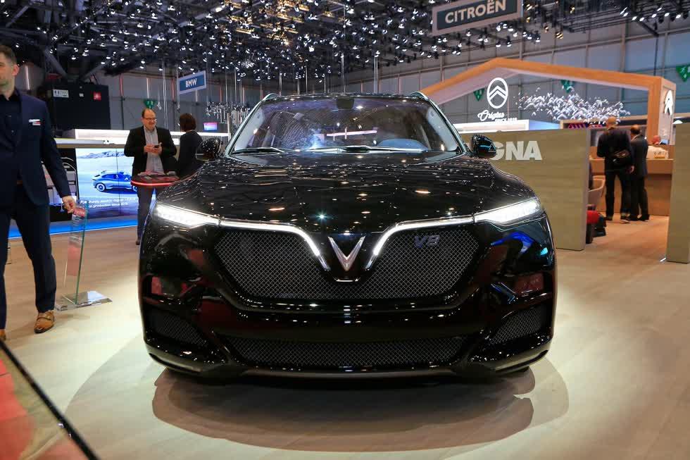 VinFast Lux V8 1