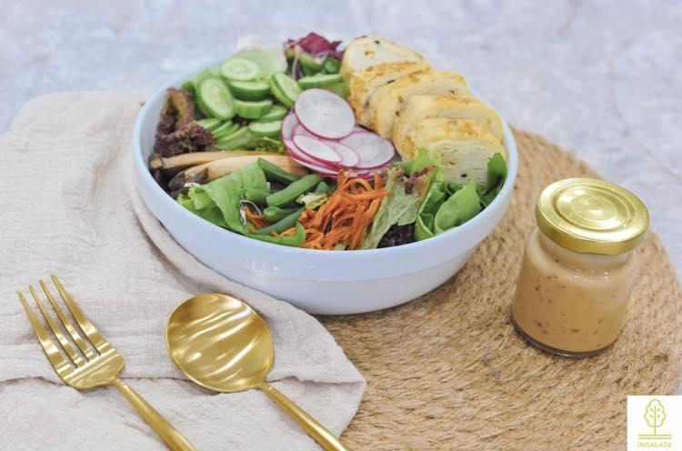Quán có bán nhiều loại salad khác nhau. Ảnh: FB Insalata Salad