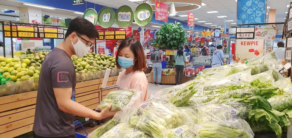Co.opmart giảm giá mạnh lần thứ 2 trong tháng 8 để chia sẻ khó khăn với người tiêu dùng mùa dịch bệnh.