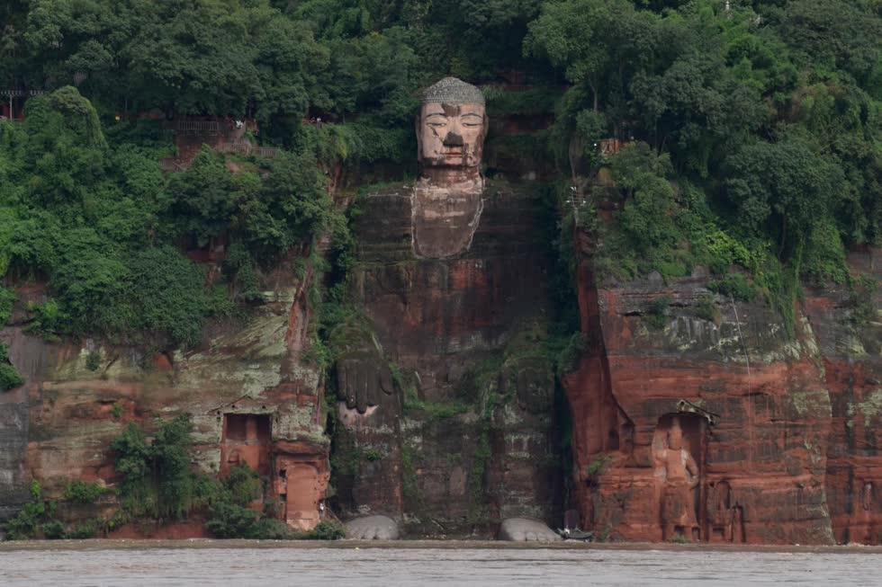 Trung Quốc sơ tán hơn 100.000 dân khi lũ lụt sông Dương Tử đe dọa Di sản Thế giới
