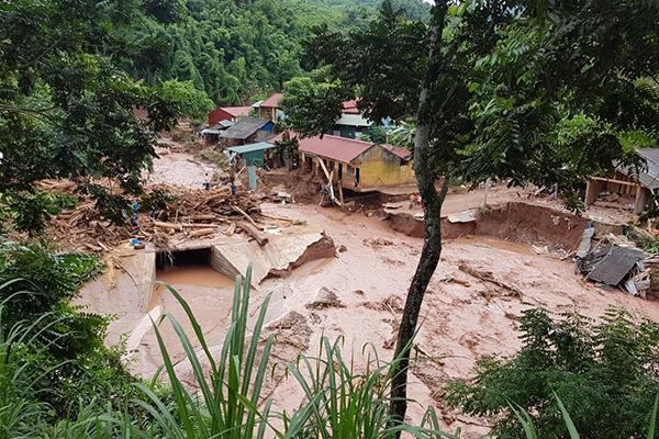 Mưa lũ khiến Trường Tiểu học Nậm Nhừ (tỉnh Điện Biên) bị ngập sâu. Ảnh: Vietnamnet