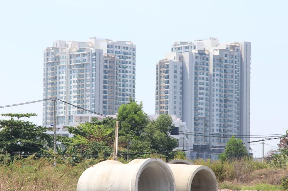 Hiệp hội bất động sản TP.HCM, phản đối đề xuất tính tiền sử dụng đất làm hồ bơi, vườn hoa, lối đi nội bộ, bãi đậu xe nổi.
