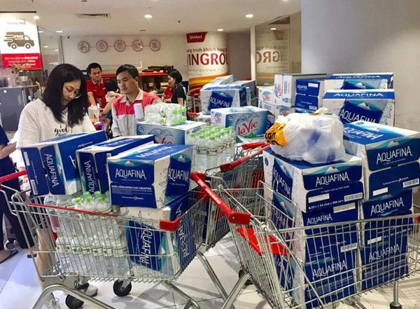 Nhanh chóng kiểm soát thị trường nước đóng chai sau sự cố thiếu nước sạch ở Hà Nội