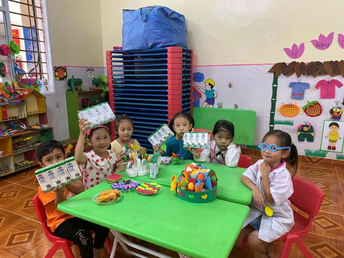 Quỹ sữa Vươn cao Việt Nam và Vinamilk đến với trẻ em khó khăn vùng cao Yên Bái