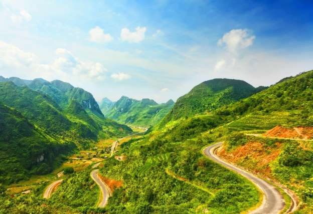 Vừa qua 5 con đèo đáng chinh phục và đẹp nhất Việt Nam đã lộ diện qua sự bình chọn của dân phượt.