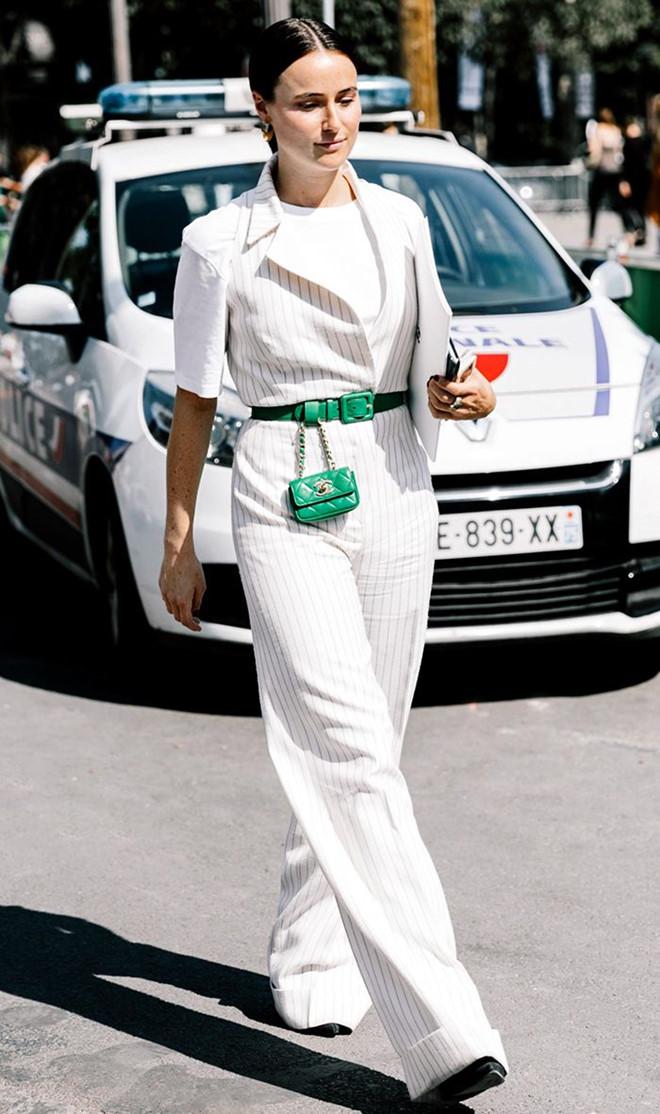 Nếu một ngày bạncảm thấy nhàm chán với phong cách và tủ quần áo của mình, hãy mạnh dạn thử nghiệm những phong cách thời trang mới.