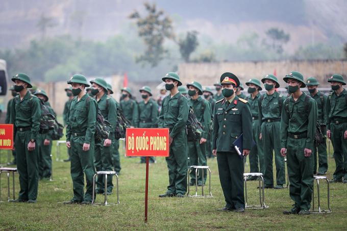 Thanh niên tỉnh Hòa Bình lên đường làm nghĩa vụ quân sự, thực hiện nhiệm vụ xây dựng và bảo vệ Tổ quốc. Ảnh minh họa: Trong Đạt/TTXVN