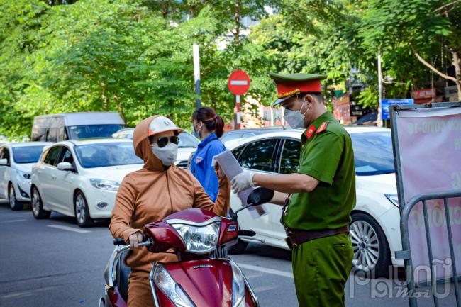 Người dân và người điều khiển phương tiện tiếp tục được sử dụng giấy đi đường cũ đã được cấp để phục vụ công tác kiểm tra khi có yêu cầu của lực lượng chức năng.