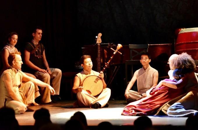 """Đây là lần đầu tiên """"Kim Vân Kiều"""" được đưa lên sân khấu nhạc kịch, chuyển thể và soạn kịch bản bằng tiếng Pháp."""