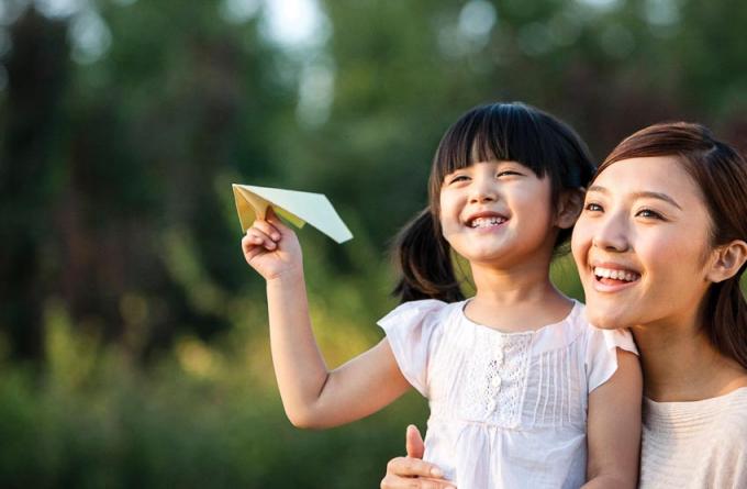 Phụ nữ nước Việt Nam dân chủ cộng hòa có quyền bình đẳng với nam giới về các mặt sinh hoạt chính trị, kinh tế, văn hóa, xã hội và gia đình''.