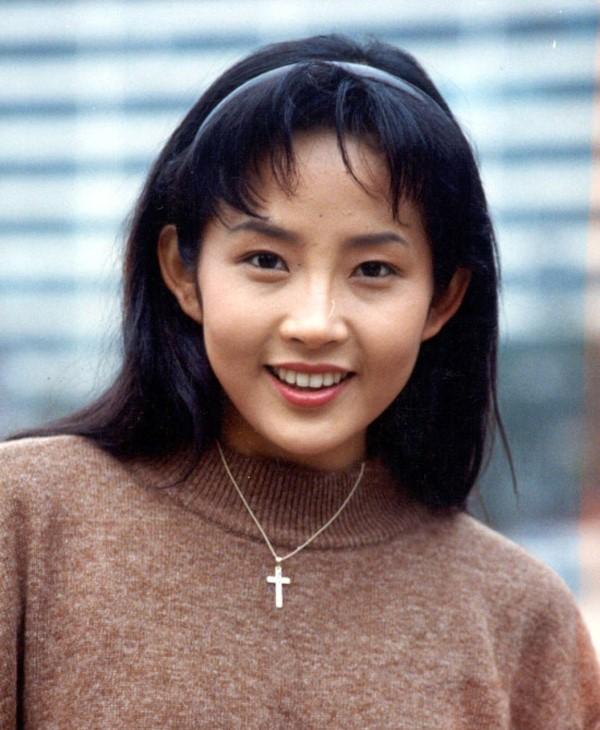 Vẻ đẹp làm siêu lòng người của Choi Jin Sil một thời