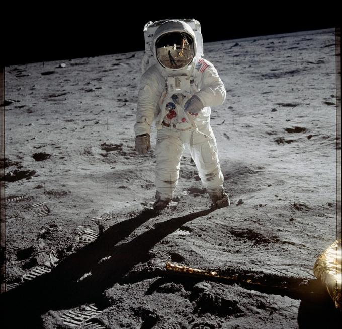 Nhà du hành vũ trụ Buzz Aldrin bước đi trên mặt trăng trong thời khắc đột phá của nước Mỹ và của lịch sử thế giới. Ảnh:Press Association.