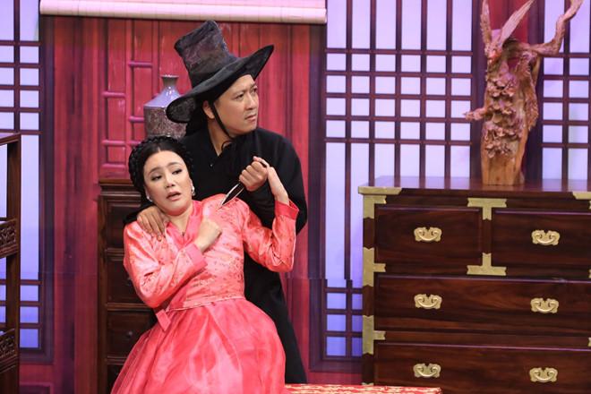 Hồ Quỳnh Hương nhiều lần khiến cho trưởng phòng Trường Giangcứng họng