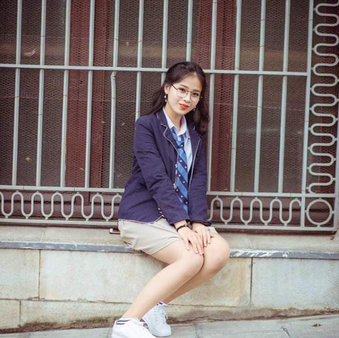 Thủy Tiên từng là cô gái xinh đẹp, vui vẻ và năng động