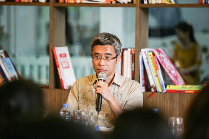 Tác giả Đặng Hoàng Giang