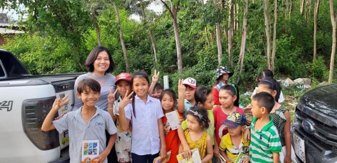 Chị Vũ Thị Thu Hà là một trong những thành viên đứng đầu phát độngdự án trồng cây