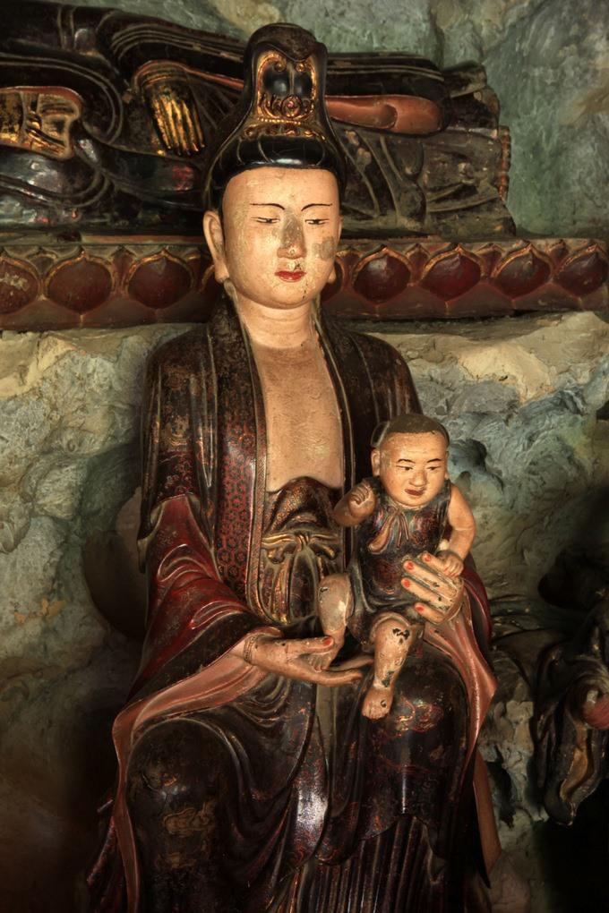 Tuợng Phật Quan Âm chùa Mía