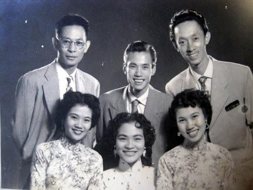 Gia đình Thái Thanh và ban hợp ca Thăng Long