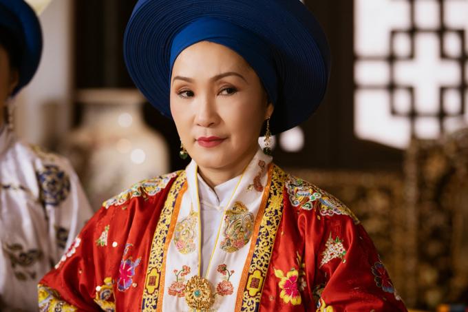 Nghệ sỹ Hồng Đào trong vaiTừ Dụ thái hậu (Ảnh: Phượng Khấu)
