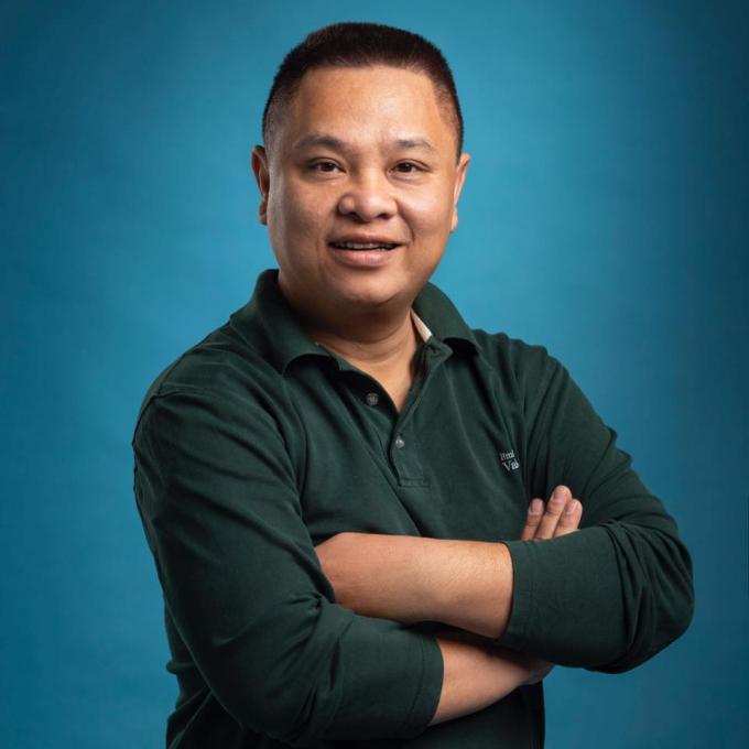 Họa sỹ Nguyễn Long Hưng