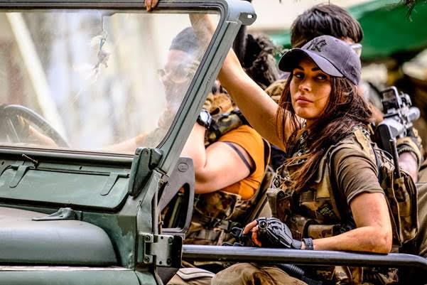 Đội trưởng Samantha xinh đẹp và thông minh là hy vọng của cả nhóm thoát khỏi nanh vuốt của hai thế lực kẻ thù.