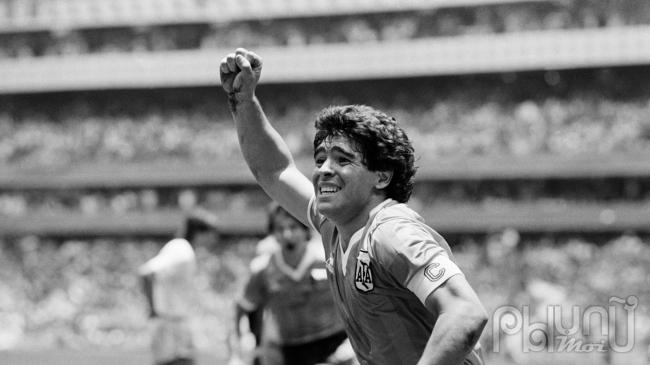 Maradona không phải là thứ cảm giác say đắm mà người ta có thể dễ dàng rũ bỏ...