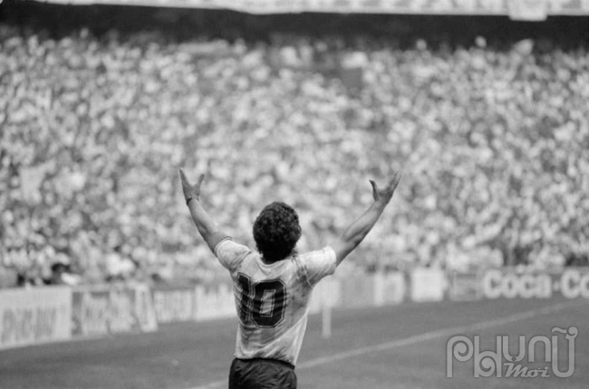 Maradona như một lời nguyềnvới cả Argentina và Napoli