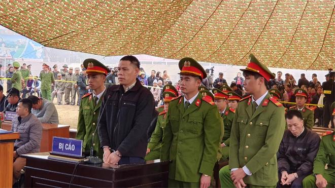 Phiên tòa được xét xử lưu động tại Sân vận động tỉnh Điện Biên
