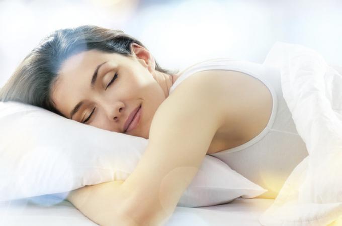 Những người thường xuyên tập yoga sẽ ngủ ngon và sâu hơn.