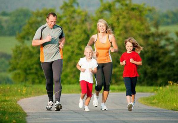 Tập thể dục buổi sáng giúp bạn giải phóng mệt mỏi, đầu óc minh mẫn, phấn khởi cho ngày mới.