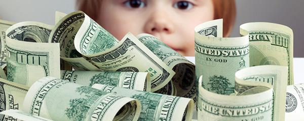 Gia đình tôi chỉ đồng ý chu cấp cho bé theo nhu cầu kinh tế của ba bé.