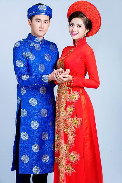 Trang phục cưới truyền thống của người Việt Nam.