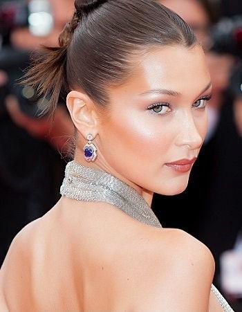 Bella Hadid là người mẫu chuyên nghiệp người Mỹ, thiên thần của Victoria Secret.